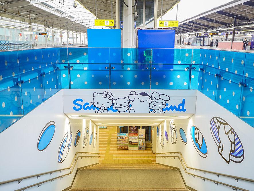 サンリオキャラクターで小田急多摩センター駅がアートステーションに!